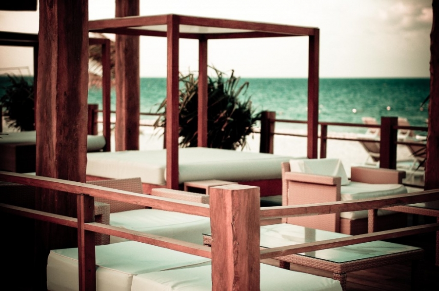 x lounge excellence playa mujeres