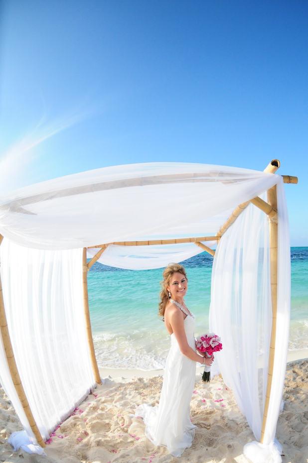 Lyford Cay Wedding Photographer