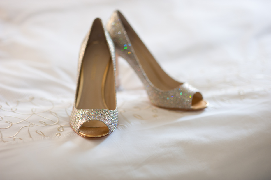gold enzo angiolini wedding shoes