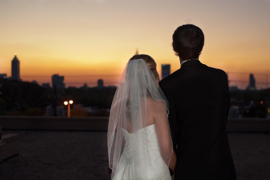 atlanta skyline wedding picture