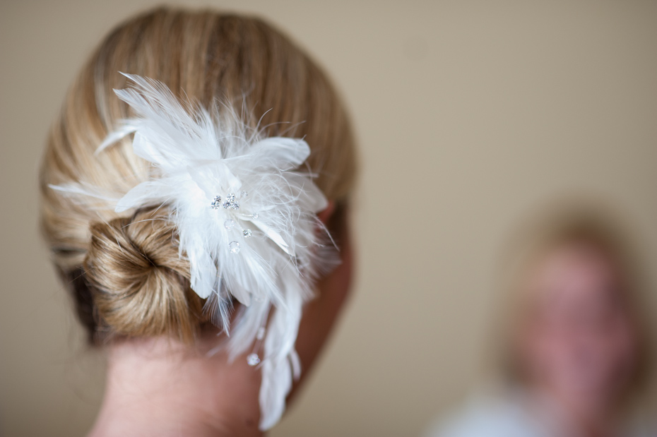 bridal hair piece with feathers