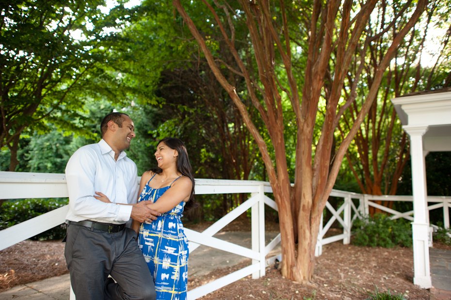 Engagement pictures in Marietta