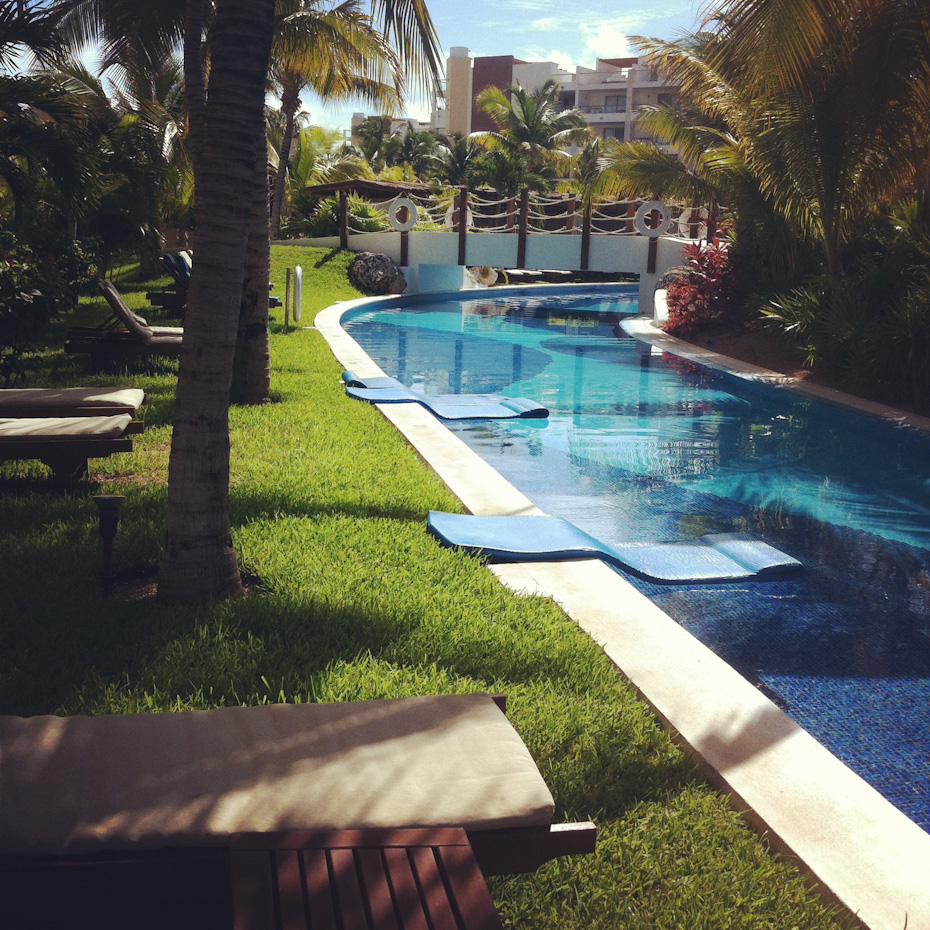 Excellence Playa Mujeres Lazy River Swim up Room