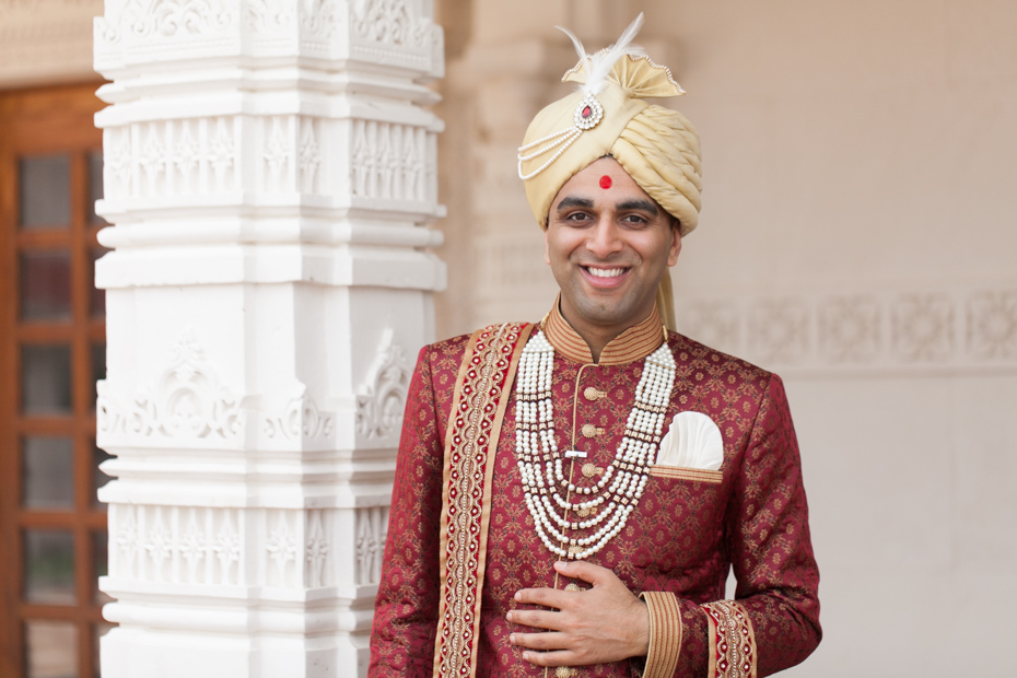 BAPS Mandir Wedding Photos by The Studio B Photography